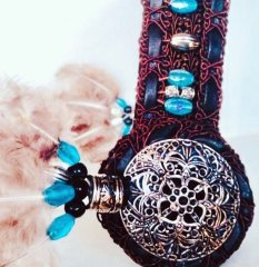 Dreamcatcher Browband - Dark brown, turquoise beads and feathers