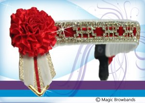 White and red pattern oblong chain with red carnations