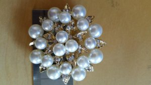 Pearl/crystal cluster design, gold setting